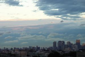 新宿と空と