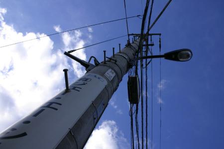 午後の電柱