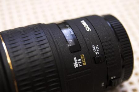 SIGMA MACRO 105mm F2.8 EX